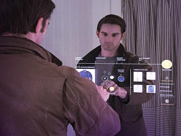 Experiencia de usuario en nuevos espejos Oak Mirrors contactless